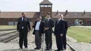Trudeau+Auschwitz+20160710